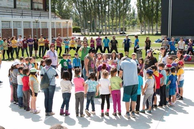 Scouts riojanos en una celebración en Calahorra
