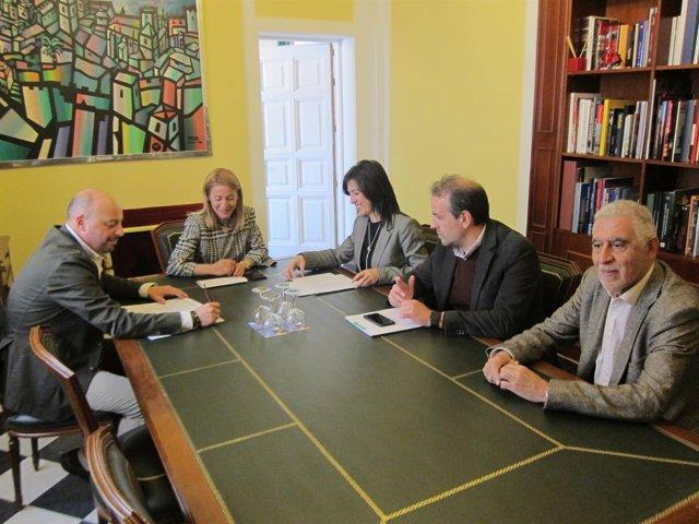 Reunión de la consejera de Educación y la alcaldesa de Cáceres