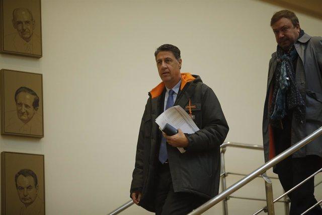 Xavier García Albiol en los pasillos en el Senado
