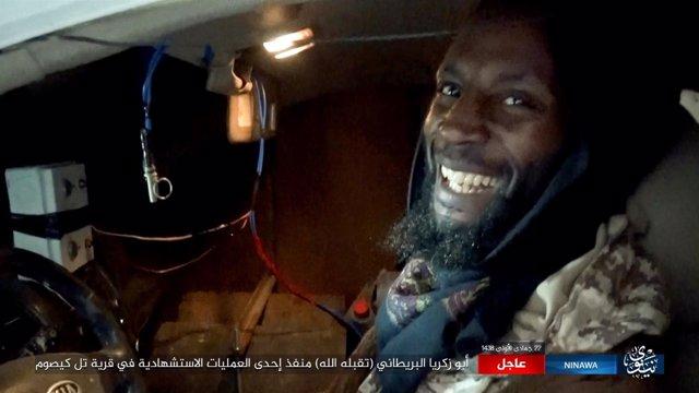 Abu-Zakariya al Britani en una imagen de un vídeo difundido en redes