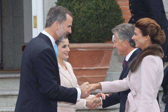 Los Reyes reciben al presidente de Argentina y su esposa