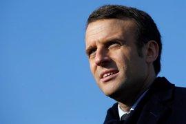 """Macron acepta la """"alianza"""" propuesta por Bayrou para las presidenciales"""