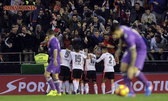 El Real Madrid pierde con el Valencia en Mestalla