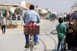 Miles de sirios viven indocumentados en Jordania con miedo a ser deportados