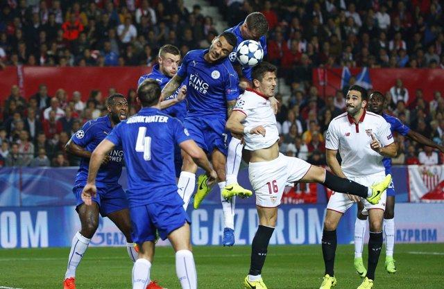 El Sevilla deja con vida a un pobre Leicester