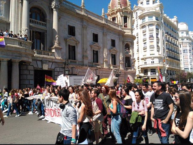 Imagen de archivo de una manifestación contra la LOMCE