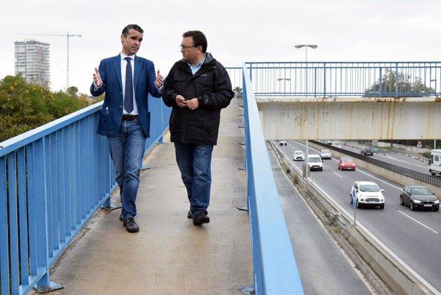 Jose Bernal y Migual Angel Heredia MAH PSOE pasarela peatonal marbella A-7