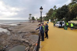 Marbella reclama a Costas que arregle ya las playas o deje que el Ayuntamiento las mejore