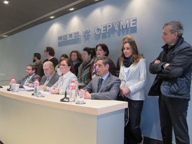 Peña Con Representantes De La Plataforma