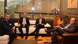 Mas traslada a Ortuzar su voluntad de negociar con el Gobierno de PP y convocar un referéndum de independencia en 2017