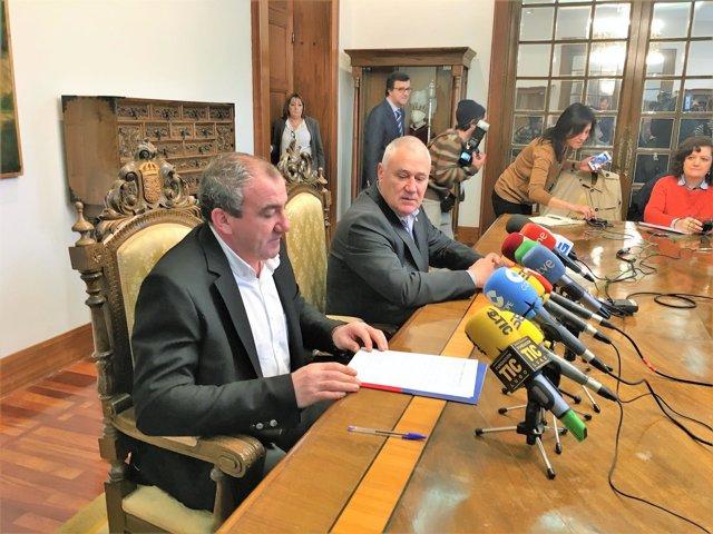 Manuel Martínez y Darío Campos en rueda de prensa