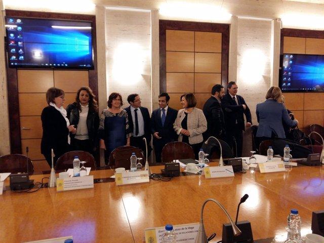 Broto, junto a consejeros de otras comunidades, en este acto en Madrid