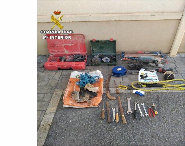 Material intervenido a presuntos ladrones en Sax