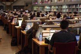 "CCOO denuncia que la falta de oferta pública de empleo ""condena a la precariedad"" al sector educativo"