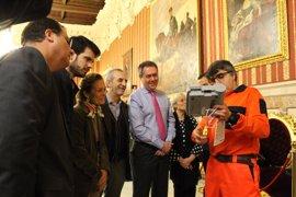 El Ayuntamiento instalará entre 15 y 20 nuevos desfibriladores en edificios y espacios públicos