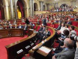 La querella de la Fiscalía contra Forcadell crispa el pleno del Parlament
