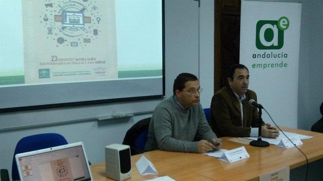 Antonio de la Torre (d) y Francisco Huertas en la jornada técnica.