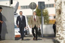 Correa no asistirá hoy al juicio, que empieza con los testigos, por un problema médico