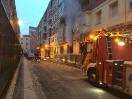 Herida muy grave una mujer de 83 años por quemaduras inhalatorias tras un incendio en su vivienda