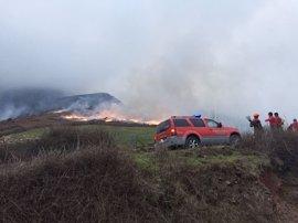 Un incendio afecta a una superficie de 10 hectáreas en la regata de Aritzakun, en Erratzu