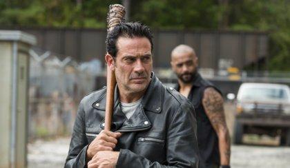 """Negan responde a la polémica racial en The Walking Dead: """"La gente es estúpida"""""""