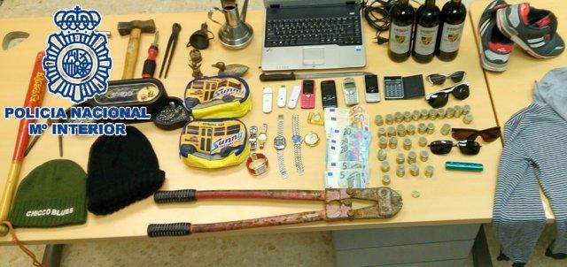 Robos útiles efectos intervenidos Policía Nacional joven robos locales comercios