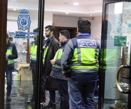 Detenidos cinco individuos que se hicieron pasar por joyeros y estafaron a proveedores por valor de un millón de euros