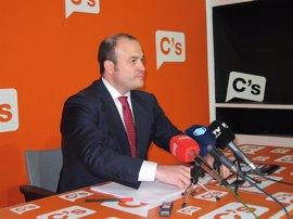"""Cs pide a la Junta que """"ponga fecha"""" para negociar la rebaja del IRPF"""