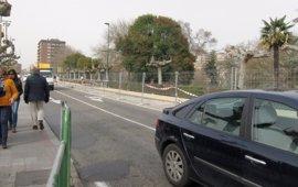 Vélez ve posible acabar antes de lo previsto las obras del puente de Poniente, que cambian ahora a los carriles derechos
