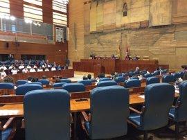 Cs volverá a pedir formalmente retirar los cuadros de los expresidentes de la Asamblea condenados por las tarjetas black