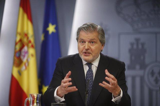 Íñigo Méndez de Vigo tras la reunión del Consejo de Ministros