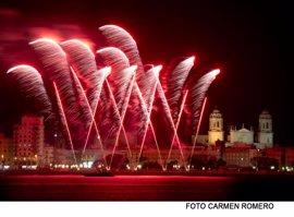 """Los hosteleros, """"ilusionados y preparados"""" para que Cádiz """"triplique"""" su población durante el Carnaval"""