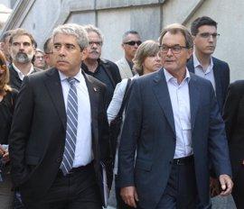 Mas, miembros del Gobierno catalán, partidos y entidades apoyarán a Homs el lunes ante el TS el primer día de juicio