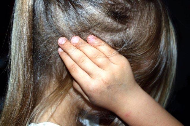 Otitis, dolor d eoído, niño, niña