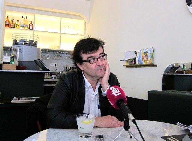El escritor Javier Cercas en Valencia con El Monarca de las Sombras