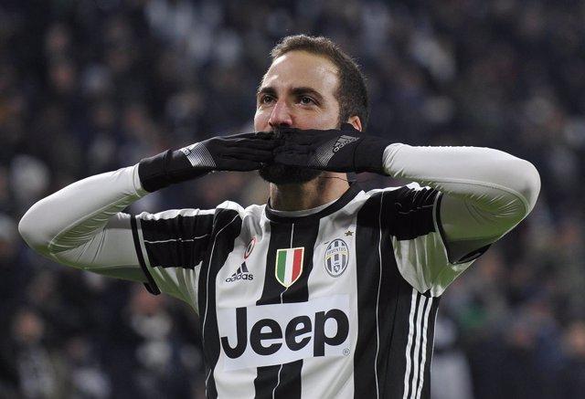 Higuaín celebra un gol con la Juventus