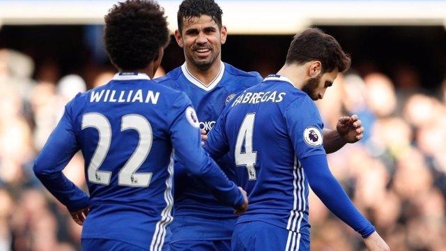 Diego Costa, Cesc Fábregas y Willian con el Chelsea