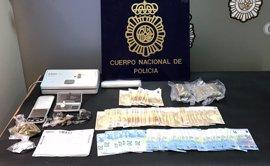 Detenidas dos personas en Cádiz y Gipuzkoa por un presunto envío de hachís a través de empresas de paquetería