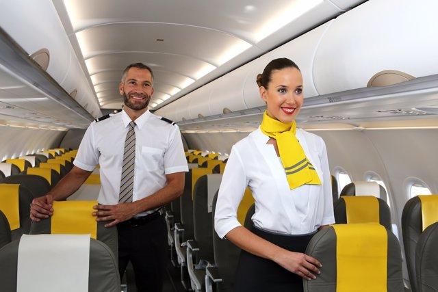 Tripulante de cabina vueling málaga azafatas contratar máalga selección
