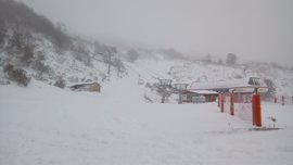 Fuentes de Invierno abre hoy al público el snowpark con una actividad de estilo libre