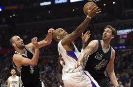 Pau Gasol regresa con 'doble-doble' y triunfo ante los Clippers