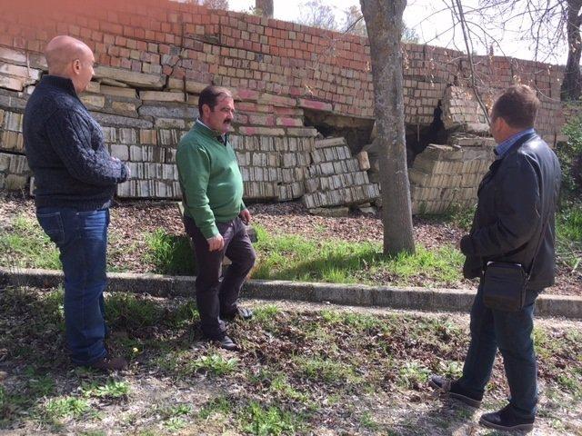 Diputación visita al acceso sur a Lahiguera en Jaén