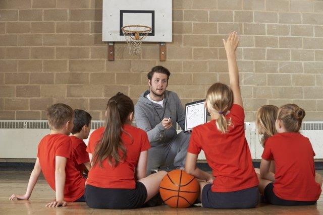 La educación física debería practicarse a diario en los colegios