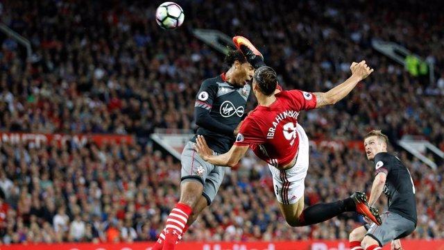 Ibrahimovic remata en el Manchester United - Southampton