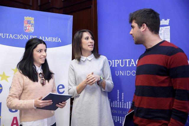 Dos voluntarios almeriense se van a Grecia y Polonia de la mano de la Diputación