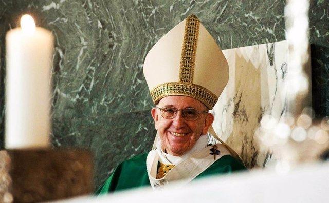 El Papa Francisco celebrando misa