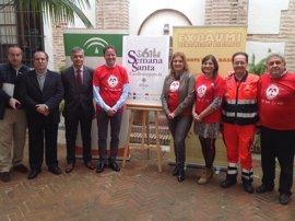 Junta y cofradías promueven en Málaga la Semana Santa Cardioasegurada para dotar de desfibriladores al recorrido oficial