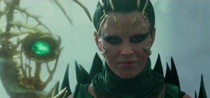 Rita Repulsa desata toda su maldad en el nuevo tráiler de Power Rangers