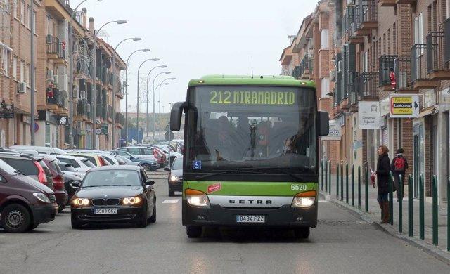 Bus interurbano en Paracuellos del Jarama