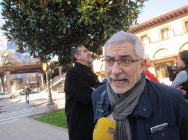"""Llamazares (IU) rechaza hacer """"una carta a los Reyes Magos"""" con las infraestructuras y pide concreción y consenso"""
